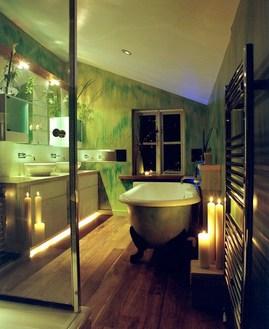 グリーンの雰囲気のバスルーム1